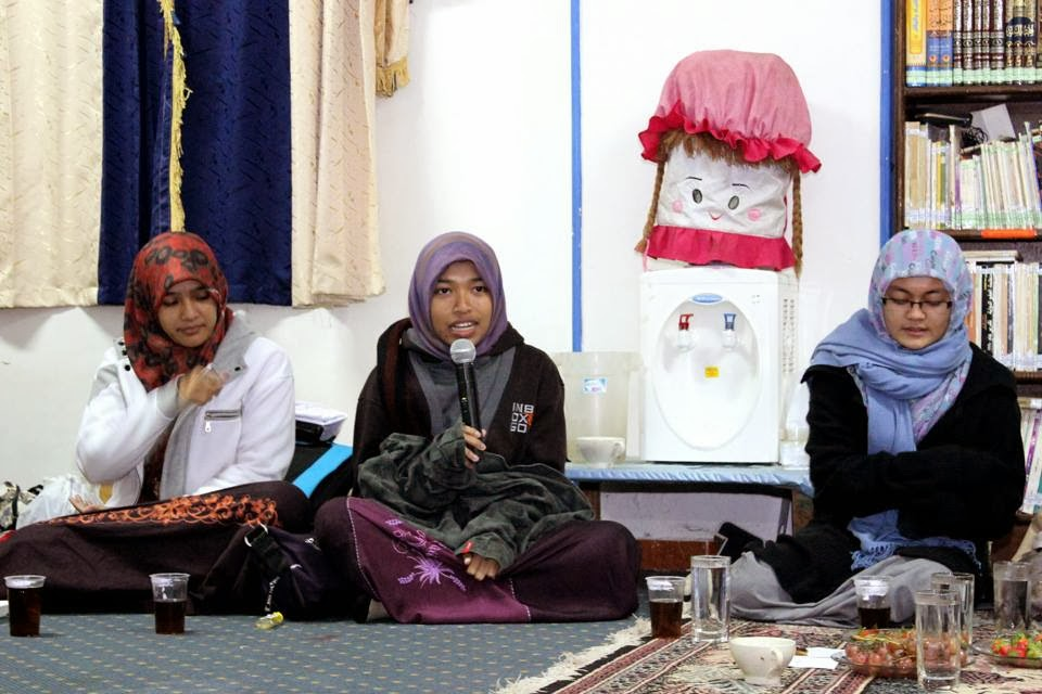 Penjemputan Ke Bandara Kairo Dipimpin Langsung Oleh Ketua Keluarga Mahasiswa Aceh Mesir Kma Tgk Mukhlis Ilyas Lc Beserta Beberapa Orang Senior Kma