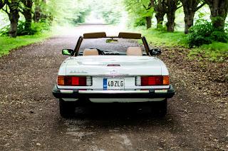 14 Mercedes-Benz 560SL R107 1988