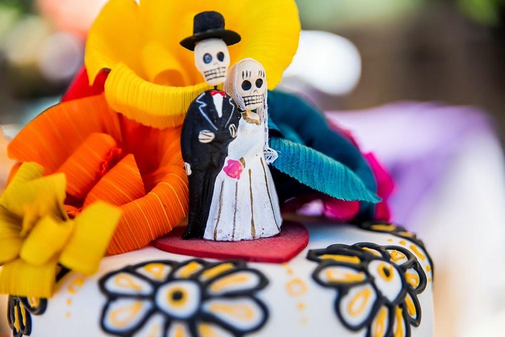 dia de los muertos wedding cake, mexican folk art