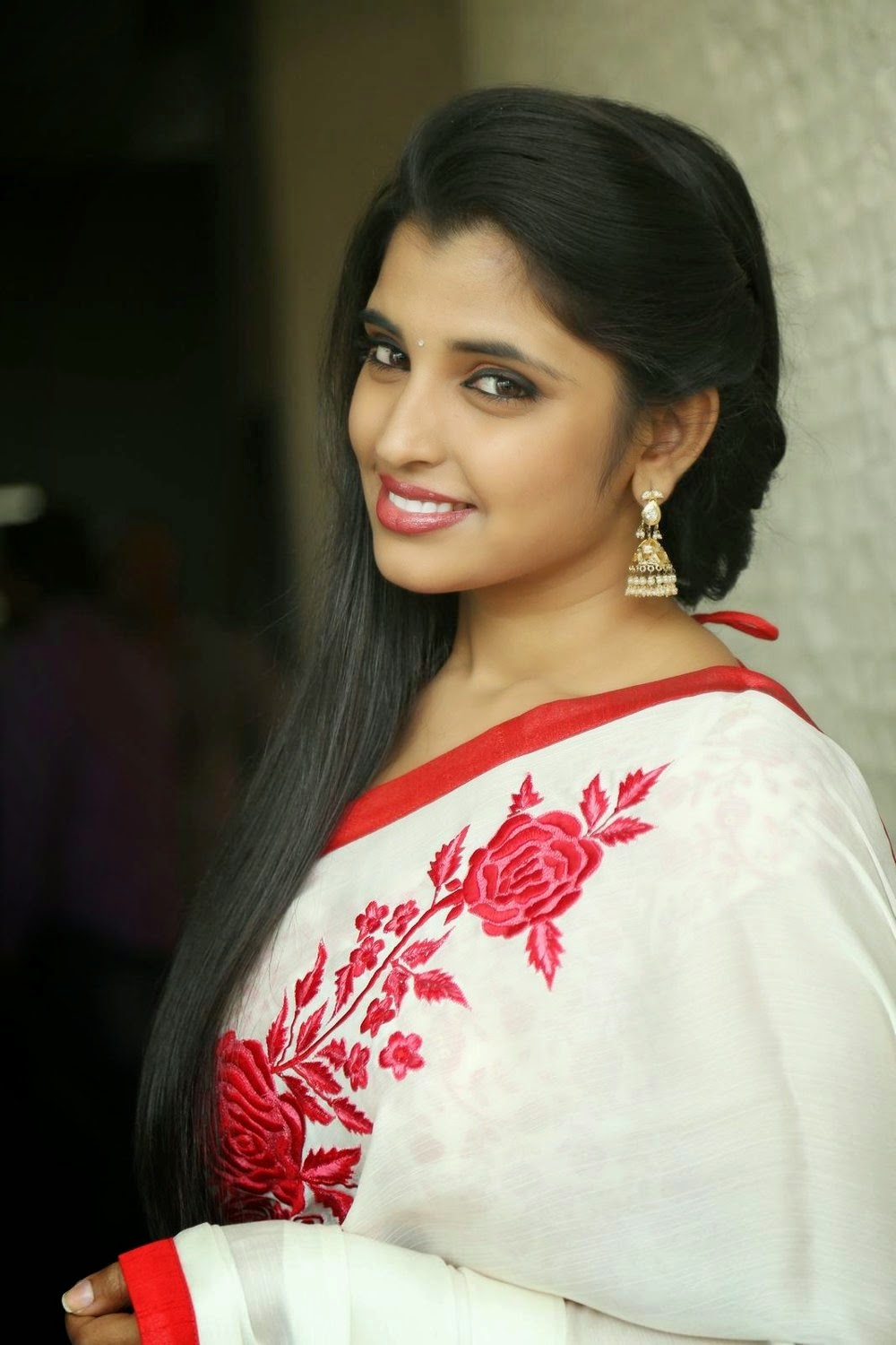 Anchor Shyamala in Saree Latest HD Stills