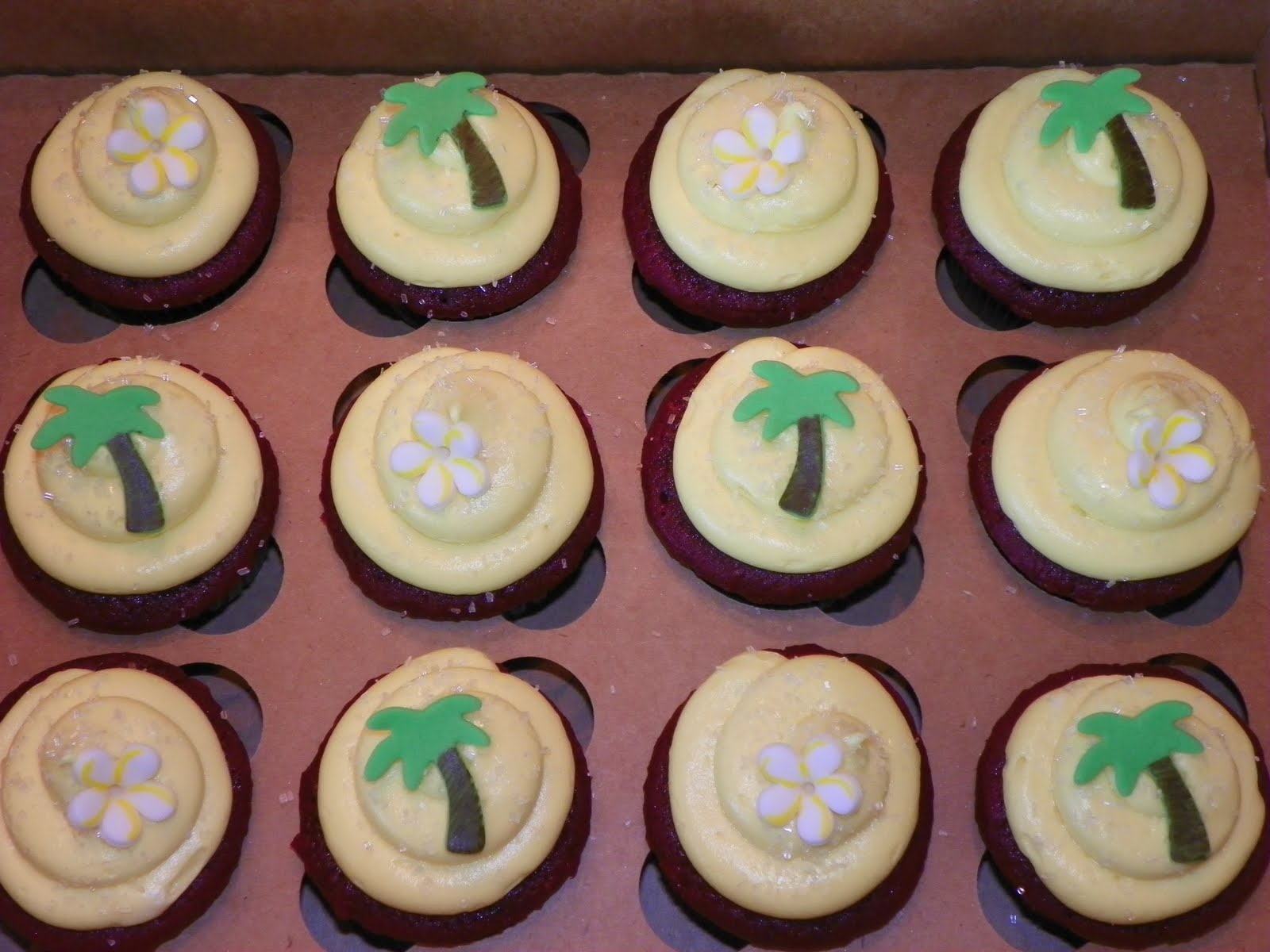 Plumeria Cake Studio Hawaiian Themed Cupcakes