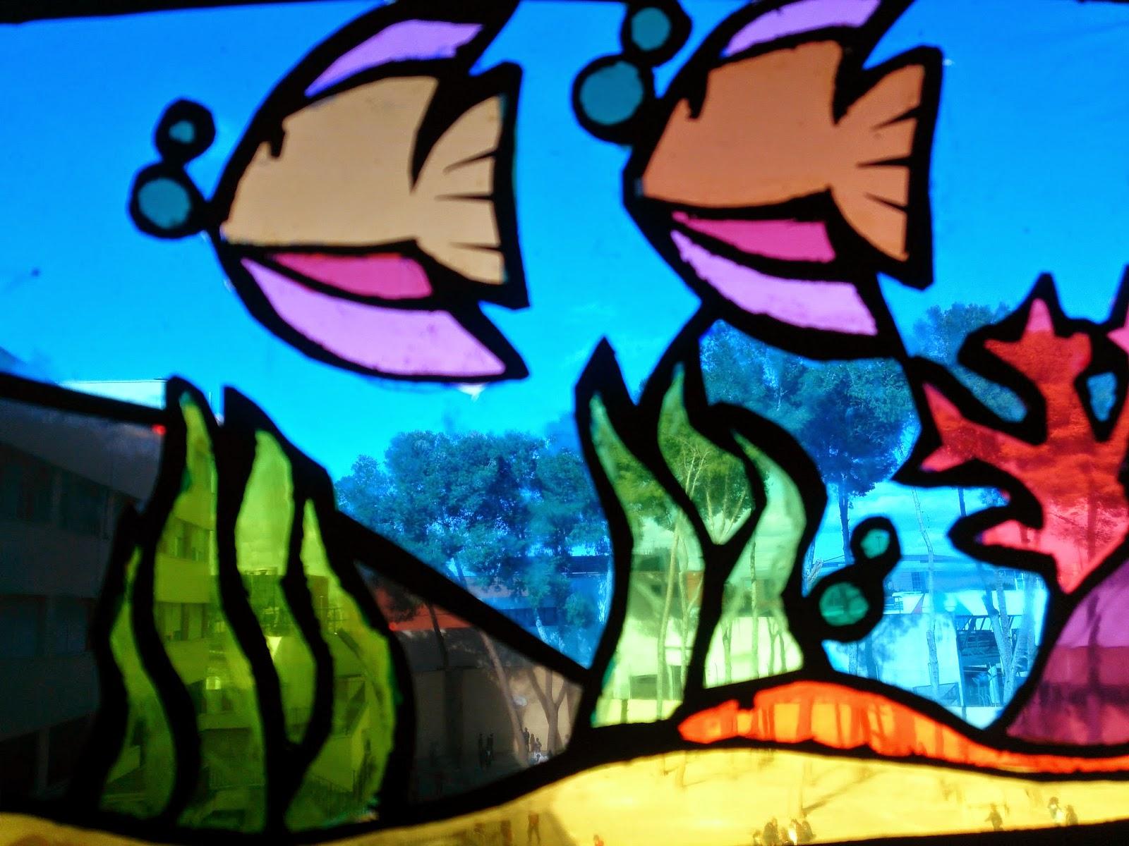 Educaci n pl stica y visual vidrieras con papel celof n y - Vidrieras de colores ...