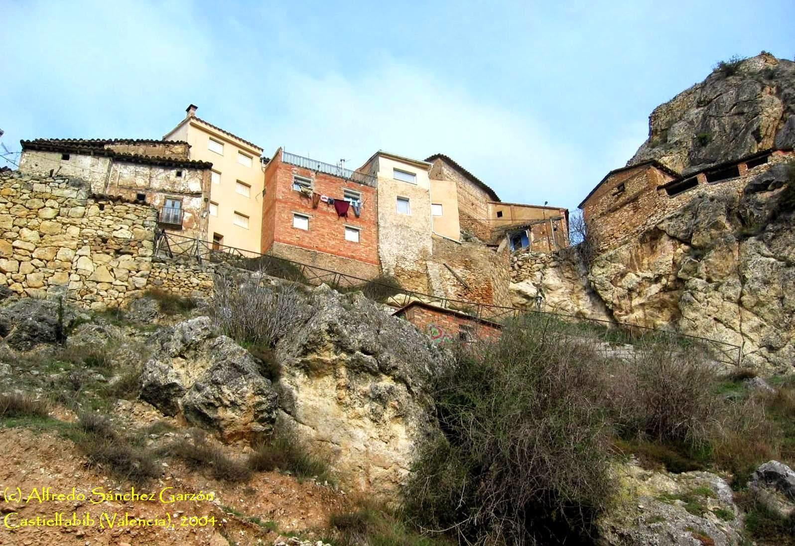 castielfabib-caserio-murallas-valencia