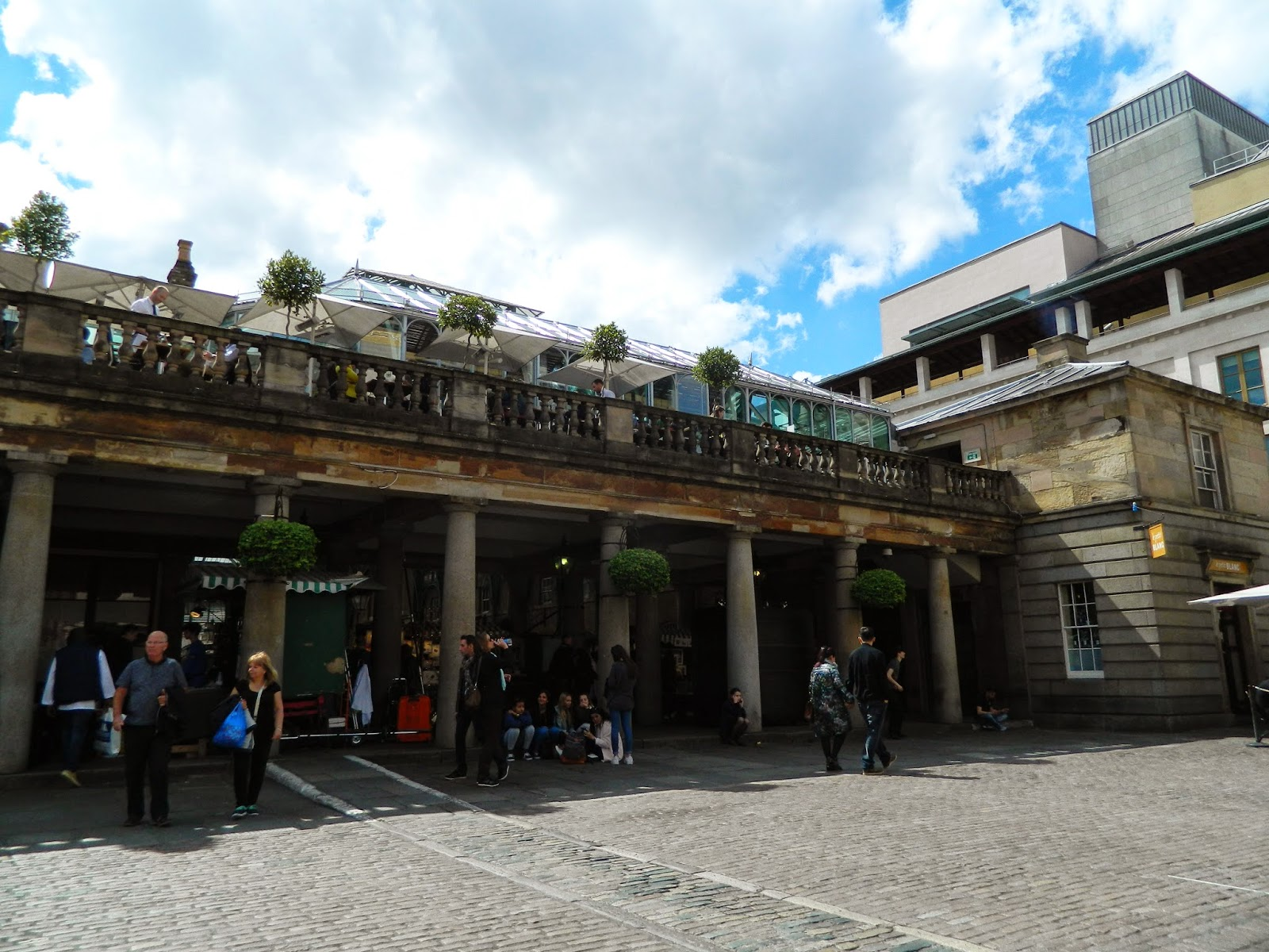 covent garden architecture people outside sun clear day summer roof
