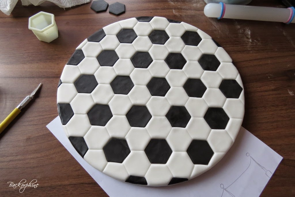 backorphine diy fu ball cake board mini tutorial. Black Bedroom Furniture Sets. Home Design Ideas
