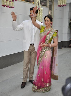 Here the the Pictures of Esha Deol Engagement: