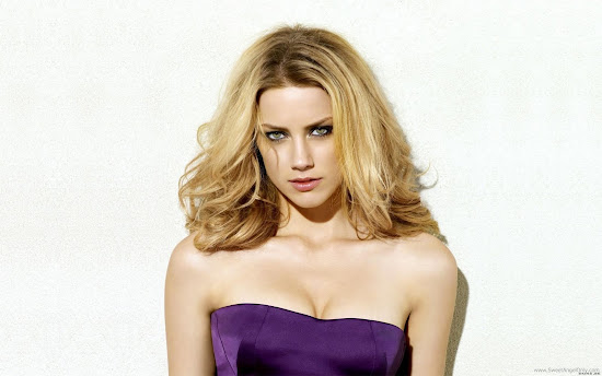 Amber Heard Hollywood Actress Beautiful Wallpaper