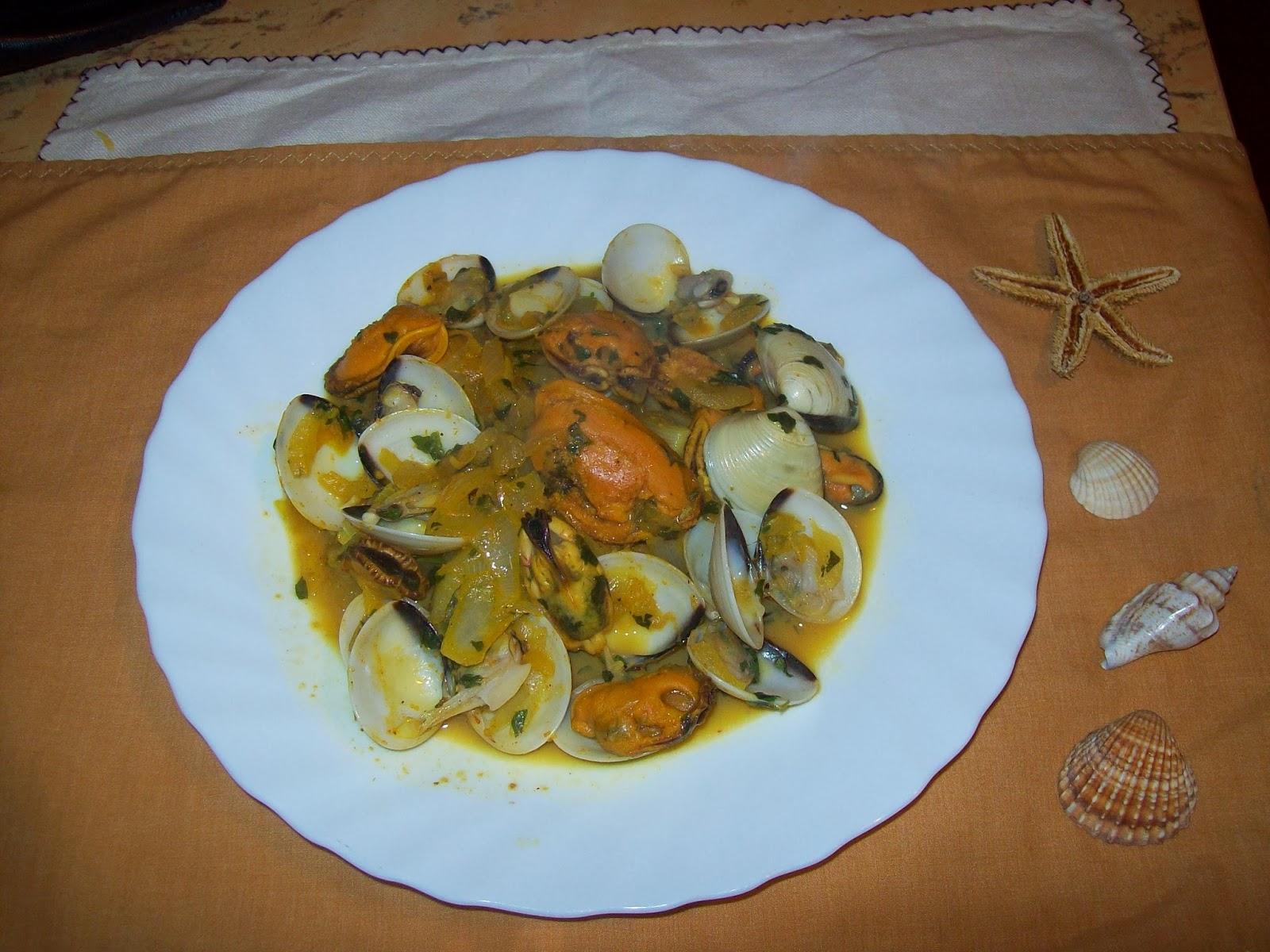 Las recetas de carmen ramos cocina mariposa almejas y for Cocinar mejillones en salsa