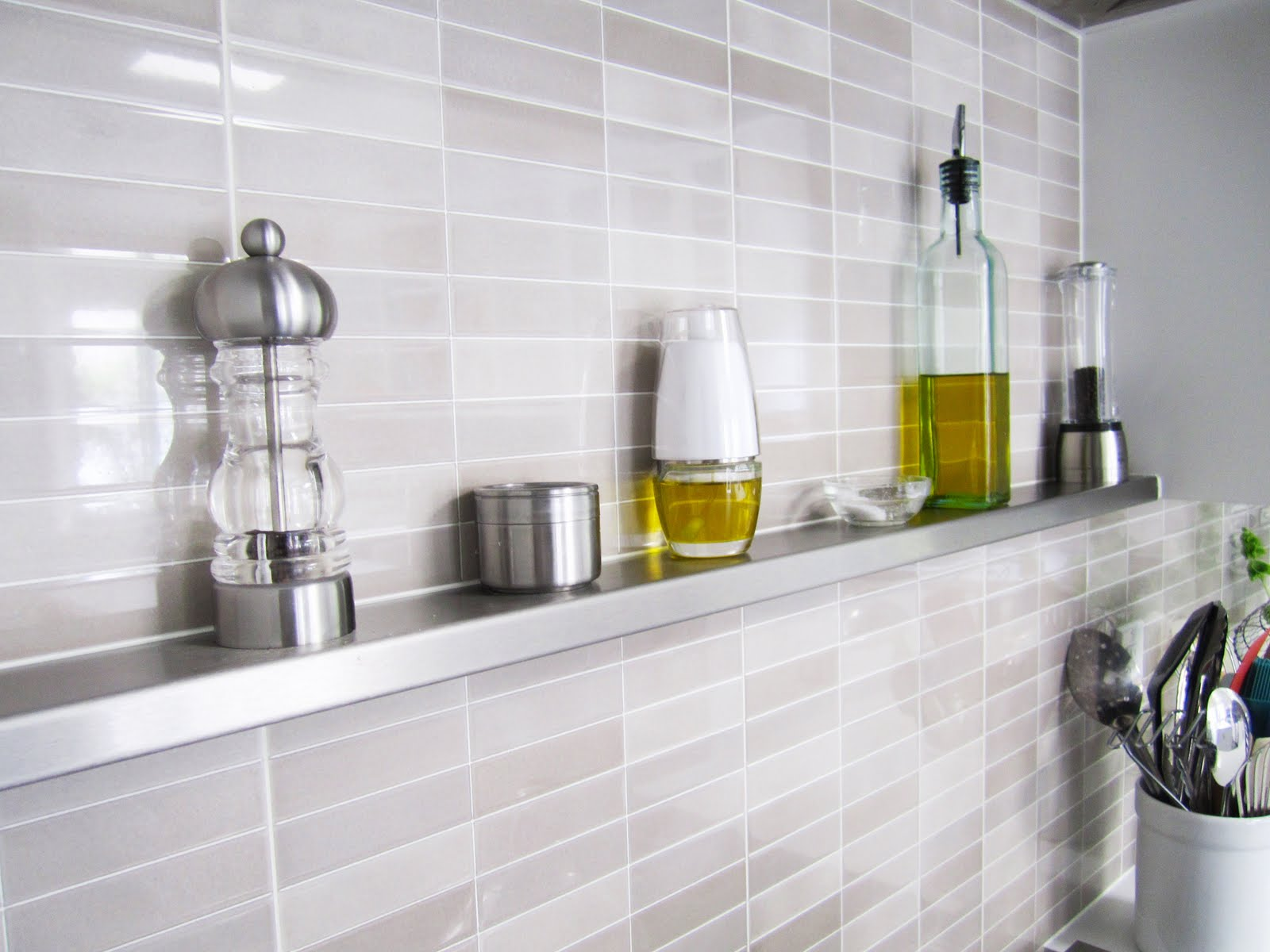 Stainless steel kitchen shelves Kitchen backsplash ideas singapore