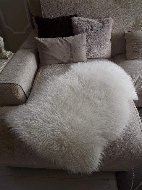 Un vergel en la ciudad mi alfombra de pelo de oveja - Ikea mantas para camas ...