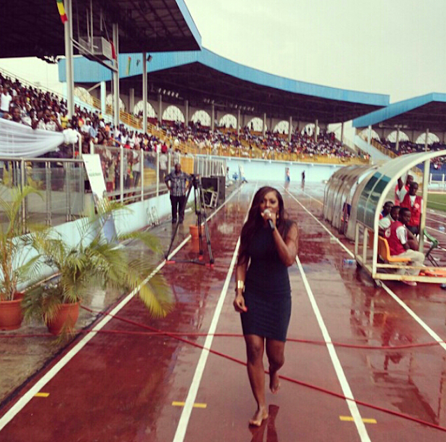 tiwa savage performing without shoes