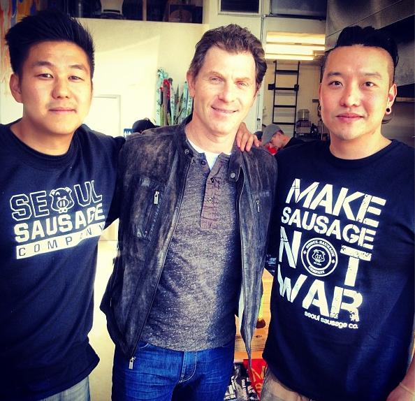 http://1.bp.blogspot.com/-fzDSeRP2qlg/UR1npEswo6I/AAAAAAAABNs/pz9KRo2ljsM/s1600/Bobby+Flay+At+Seoul+Sausage.jpg