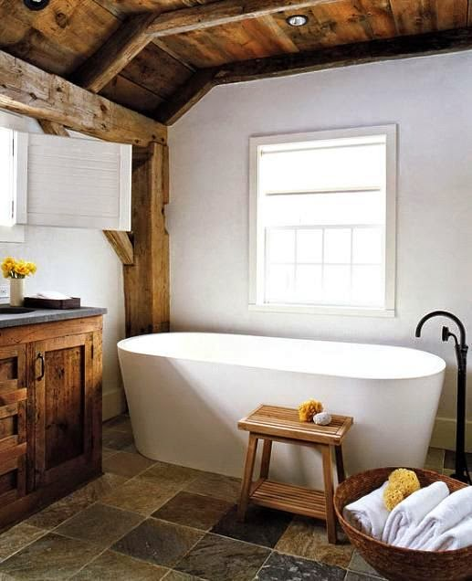 Bañeras en casa - Bañera en baño rústico