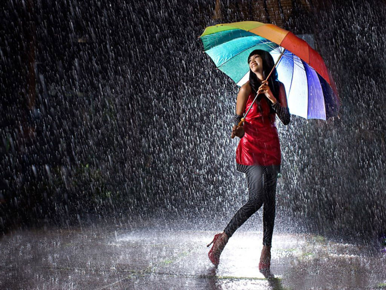 Wallpaper Love Rain Hd : Dancing Rain Wallpaper