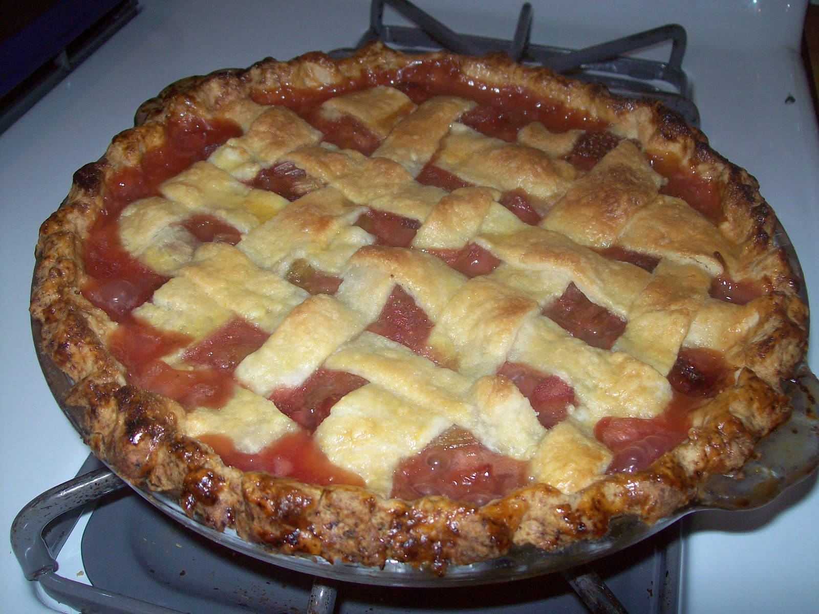 ... Hill Primitives and Vintage: Lattice-Topped Rhubarb-Strawberry Pie