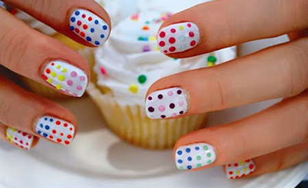 Diseño de Uñas para niñas , Divertidas Si tu hija quiere empezar a pintarse las uñas, aca te muestro algunos diseños graciosos y divertidos para ella.