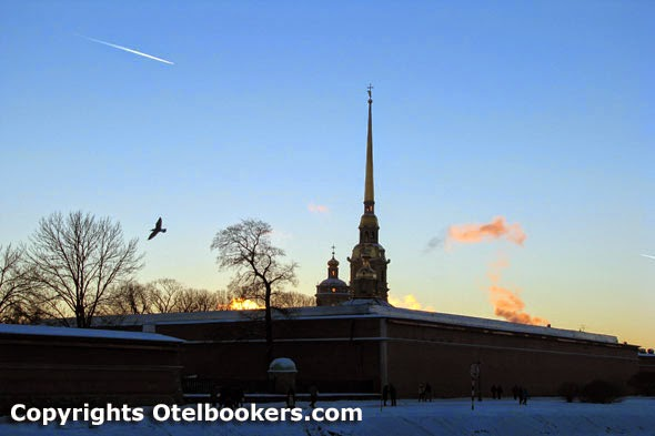 Peter_and_Paul_Fortress_in_Saint_petersburg