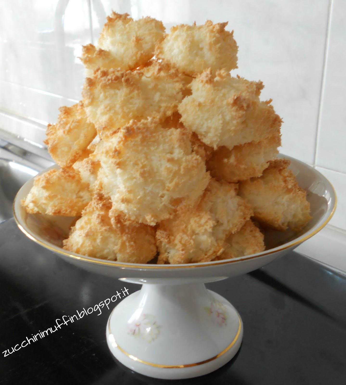 Biscotti al cocco ricette dolci ricetta ed ingredienti for Ricette dolci
