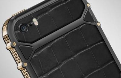 Claus de Paris Offers an iPhone 5s Crocodile Leather Protective Case