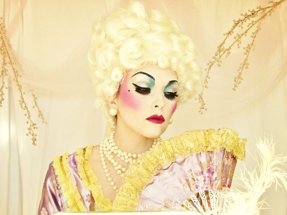 Style of Your Own: Halloween Marie Antoinette Makeup