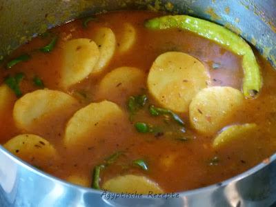 Kartoffeln aus dem Ofen mit Huhn - Ägyptisches Rezept