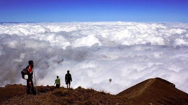 destinasi wisata terbaik gunung agung