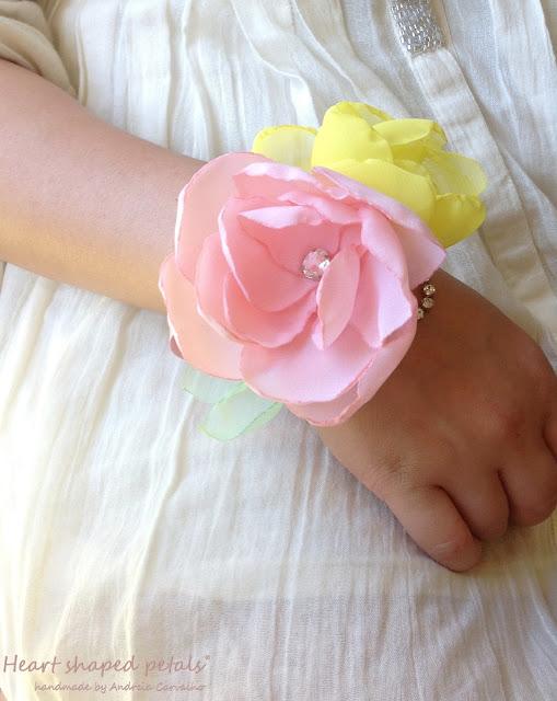 Bridal wrist flower corsage