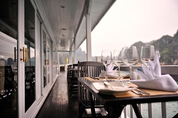 Table Set Up - Paradise Luxury Cruise