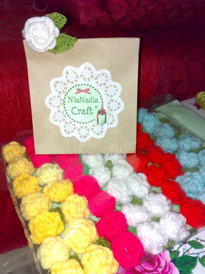 Hobi mengait crochet nianadia craft emak saya lebih minat kepada kaitan untuk hiasan rumahtapi saya pula lebih kepada begkasut topi baby dan yg paling saya suka kait bunga crochet yg cute2 ccuart Gallery