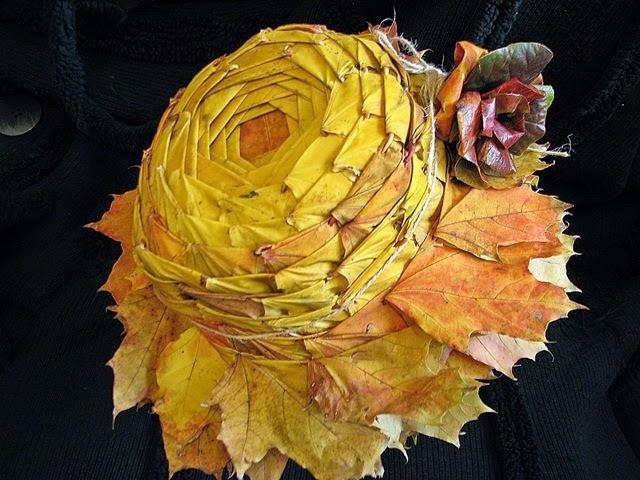 шляпа из осенних листьев