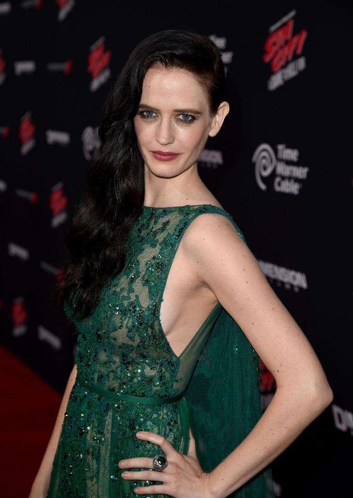 Eva Green Nude Photos 18