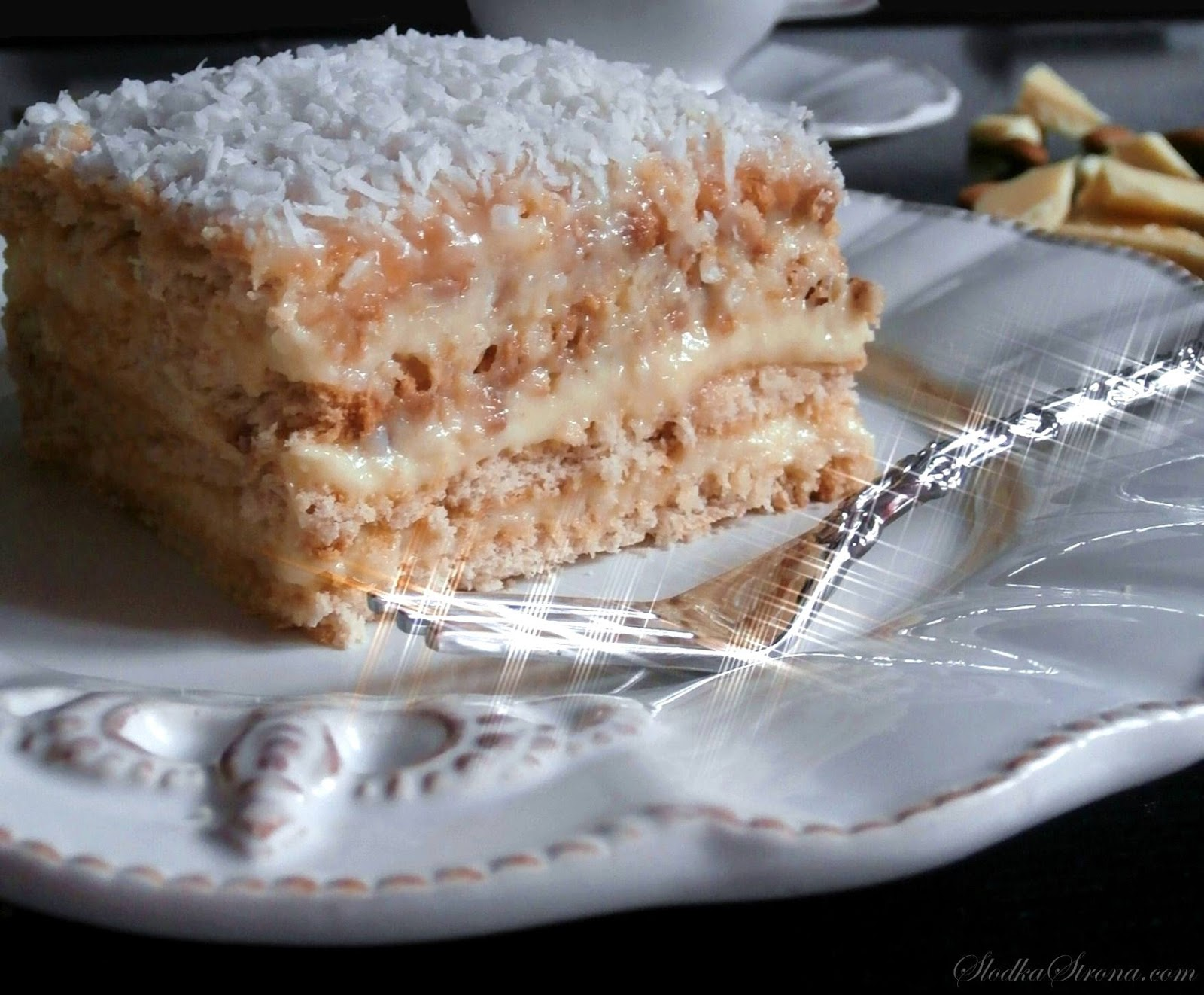 """Ciasto """"Rafaello"""" Bez Pieczenia - Przepis - Słodka Strona"""