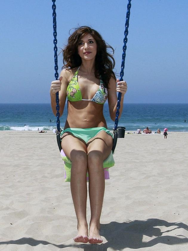 Farrah Abraham shows off bikini body in Los Angeles