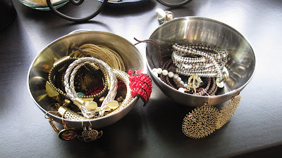 Organisation Tips: How To Store Your Most Worn Jewellery, Q-Tips & Makeup Brushes