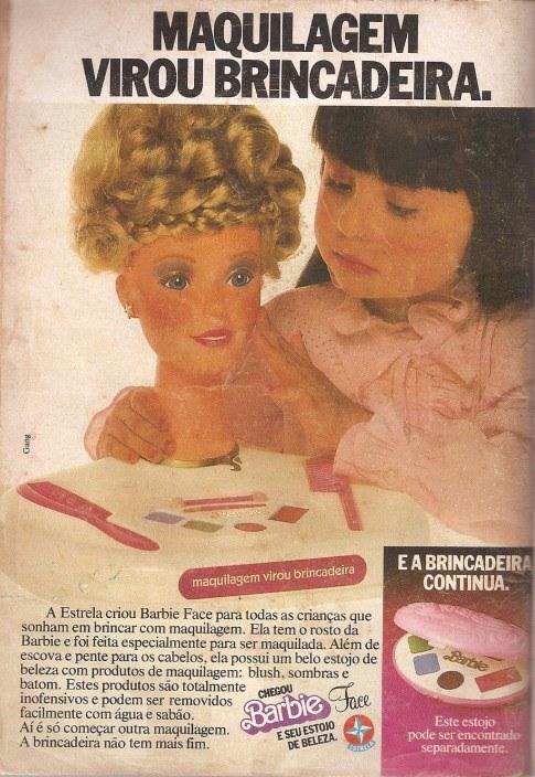Propaganda da boneca Barbie Face apresentada em 1983: garotas podiam maquiar a boneca mais famosa do mundo.