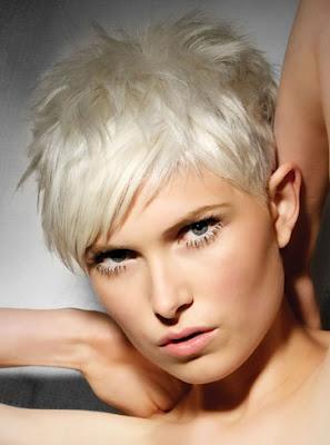 4 formas de peinar el cabello largo wikiHow