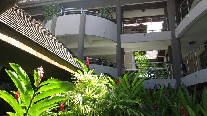 Cour intérieure au Manava Tahiti