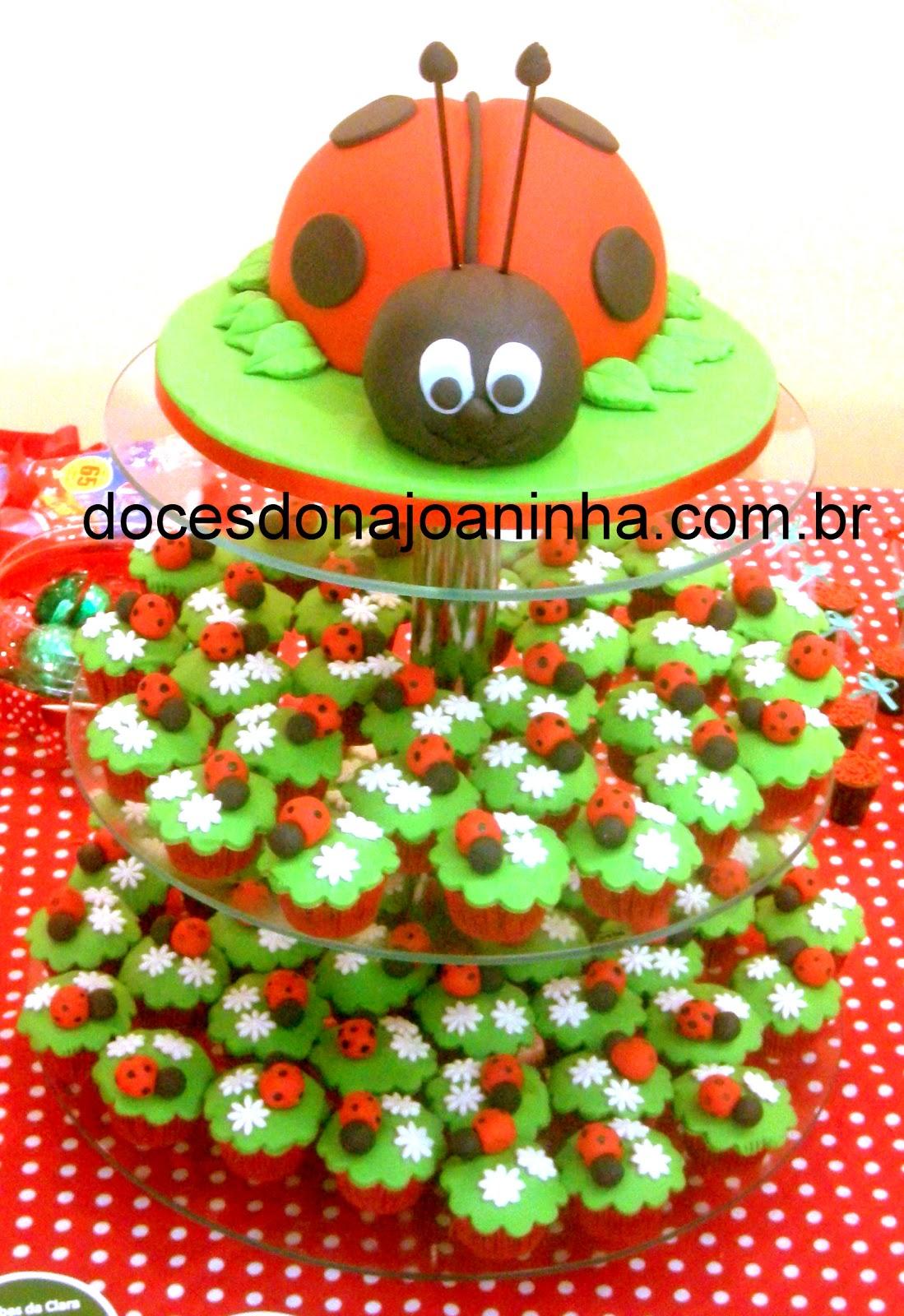 festa infantil jardim joaninhaBolo de brigadeiro decorado com