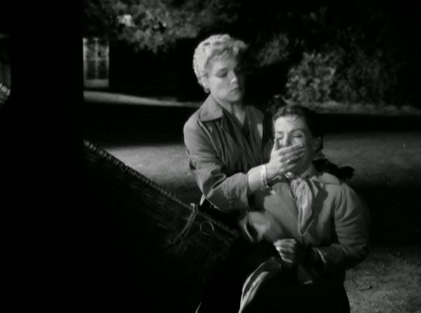 Simone Signoret in Les Diaboliques