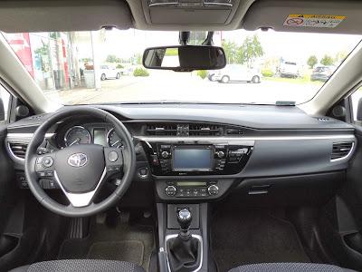Toyota Corolla - wnętrze