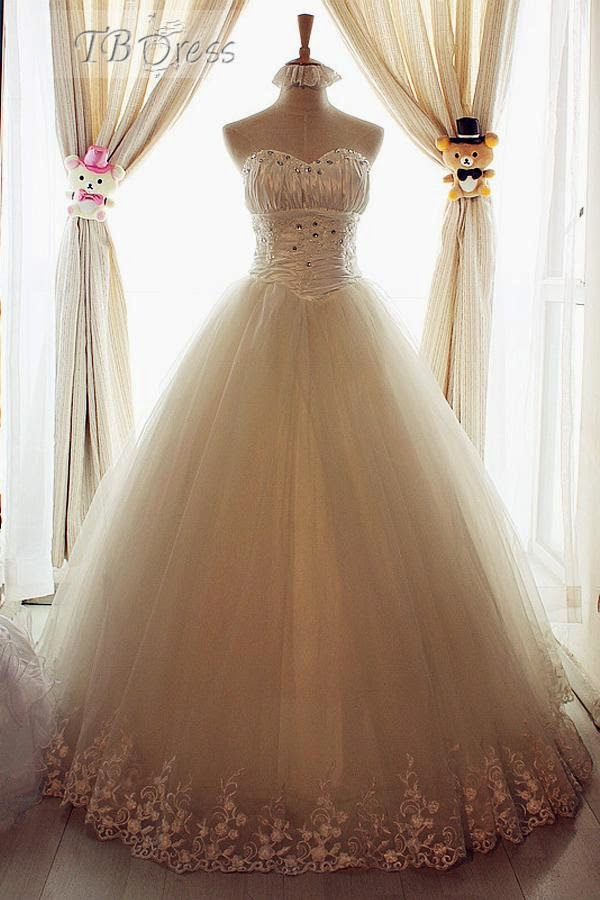 http://www.tbdress.com/product/Amazing-A-Line-Sweetheart-Floor-Length-Lace-Beadings-Wedding-Dress-10458960.html