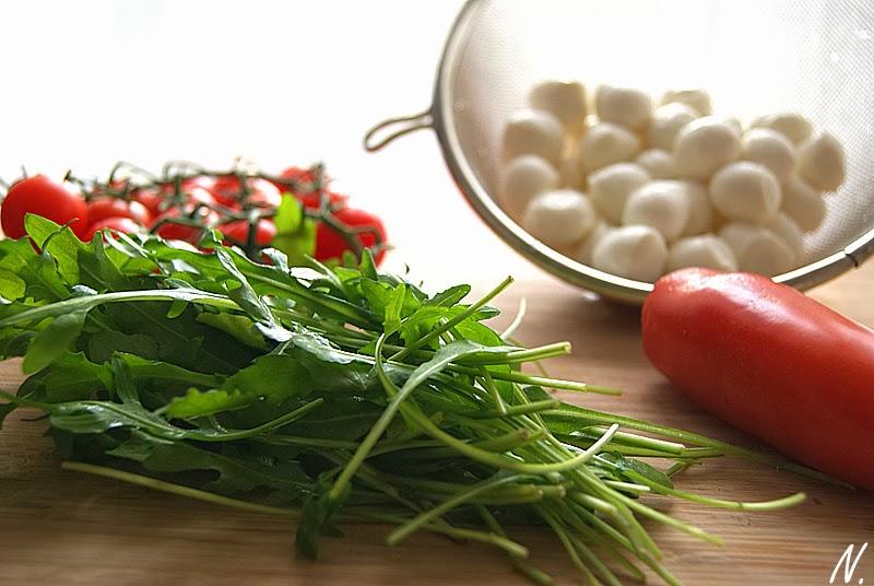 senf und vanille tomaten mozzarella quiche la frau glasgefl ster. Black Bedroom Furniture Sets. Home Design Ideas