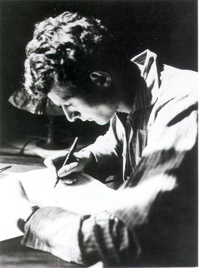 """the truly great by stephen spender essay In an essay in at the barriers: on the poetry of thom gunn, brian  by stephen  spender (""""i think continually of those who were truly great"""" and."""