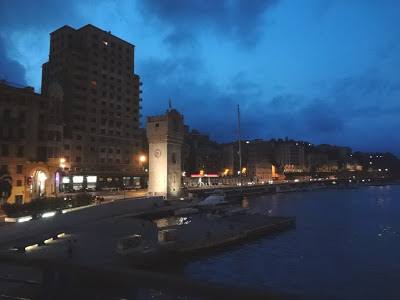 La Torre León Pancaldo, o Torretta es el símbolo de Savona. Una Torre de vigilia antigua construída en el siglo XIV en la zona del puerto