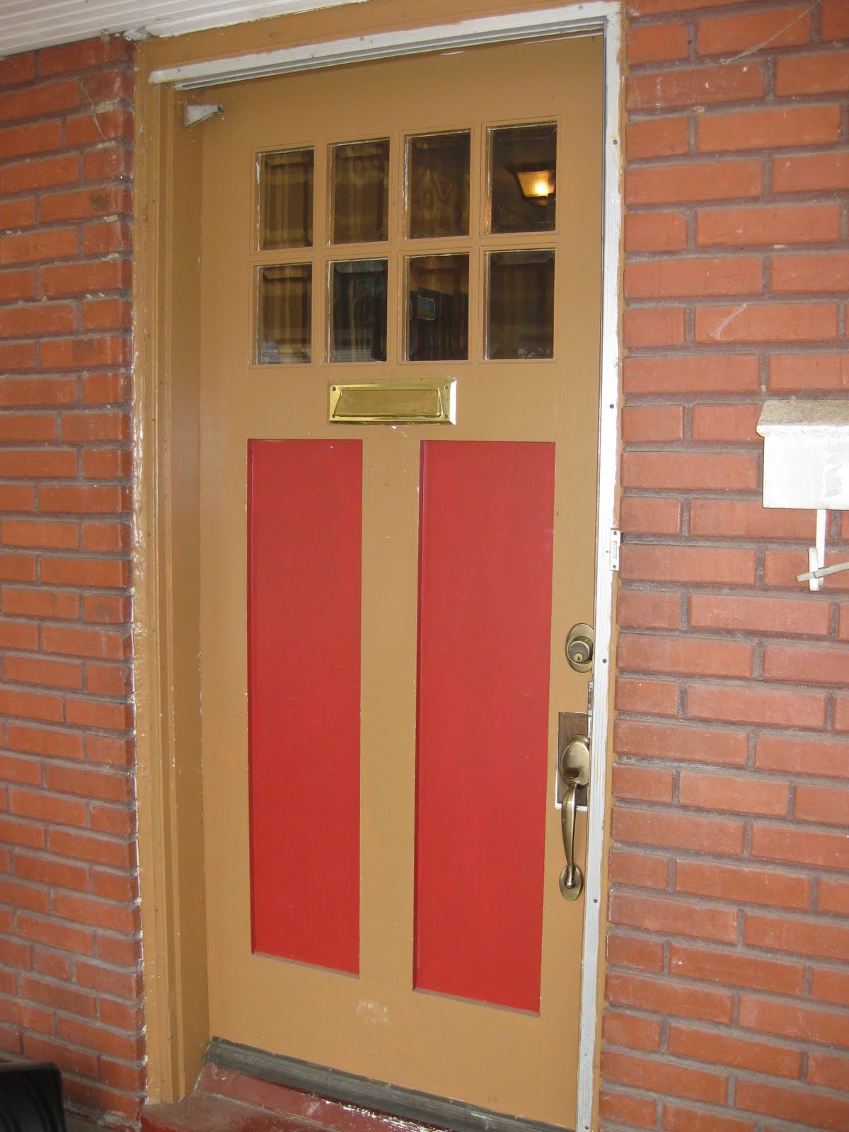 As You Can See Above, The Baby Poop Brown Color And A Red Just Isnu0027t Doing  It For Me. Do You Notice The Brown Rectangle Behind The Door Handle?