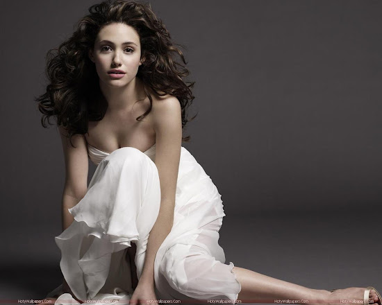 Emmy Rossum Hollywood Actress Wallpaper-1600x1200