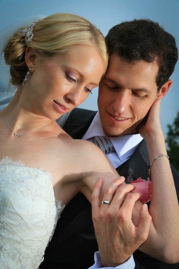 Bluemont Vineyard Bride Groom Photo