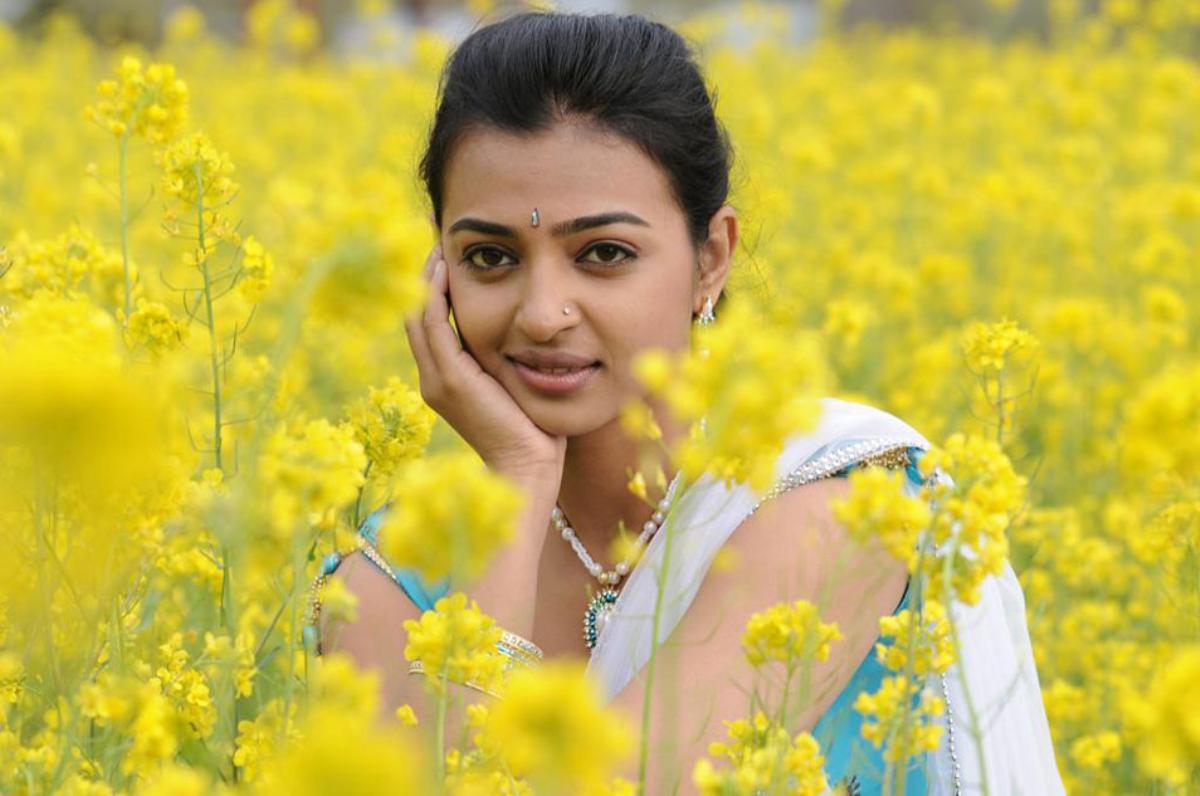 radhika apte hd pics