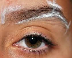 Enmarca tu rostro sin errores depilando tus cejas bebloggera - Hacerse las cejas en casa ...