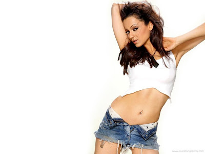 Kangna Ranaut Hot HD Wallpaper Latest-2011